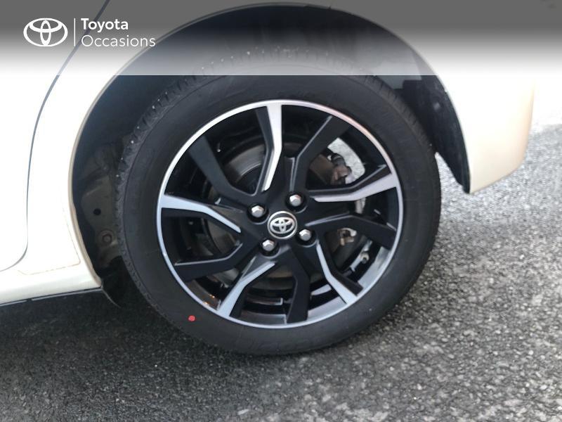 Photo 16 de l'offre de TOYOTA Yaris HSD 100h Collection 5p à 14490€ chez Rizzon Auto - Toyota St Brieuc
