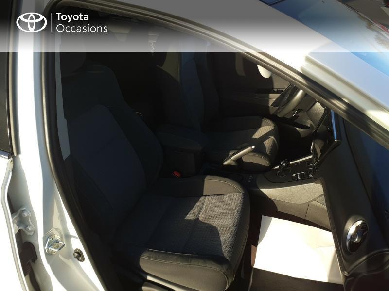 Photo 6 de l'offre de TOYOTA Auris HSD 136h Collection RC18 à 17890€ chez Rizzon Auto - Toyota St Brieuc