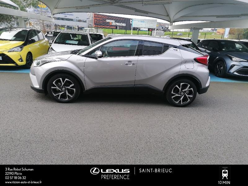Photo 18 de l'offre de TOYOTA C-HR 122h Edition 2WD E-CVT RC18 à 21980€ chez Rizzon Auto - Toyota St Brieuc