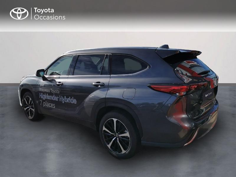 Photo 2 de l'offre de TOYOTA Highlander Hybrid 248ch Lounge AWD-I à 60490€ chez Rizzon Auto - Toyota St Brieuc