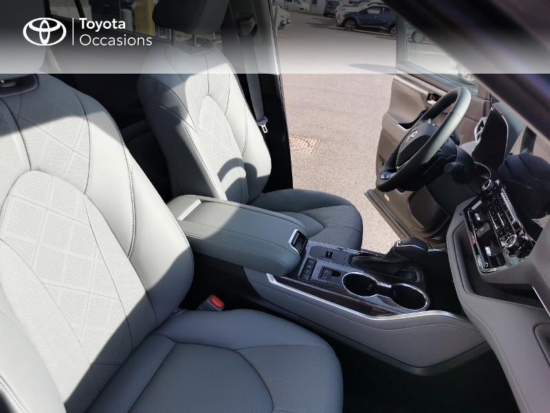 Photo 6 de l'offre de TOYOTA Highlander Hybrid 248ch Lounge AWD-I à 60490€ chez Rizzon Auto - Toyota St Brieuc