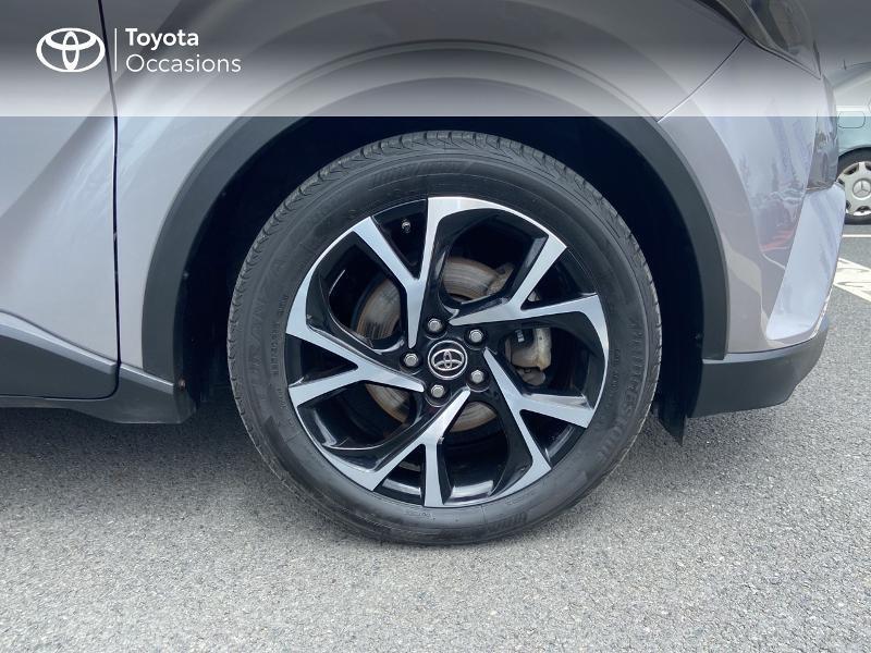 Photo 16 de l'offre de TOYOTA C-HR 122h Edition 2WD E-CVT RC18 à 20490€ chez Rizzon Auto - Toyota St Brieuc