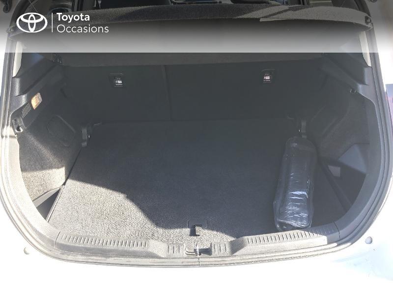 Photo 10 de l'offre de TOYOTA Auris HSD 136h Collection RC18 à 15890€ chez Rizzon Auto - Toyota St Brieuc