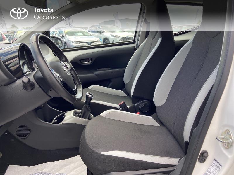Photo 11 de l'offre de TOYOTA Aygo 1.0 VVT-i 72ch x-play 5p à 8990€ chez Rizzon Auto - Toyota St Brieuc