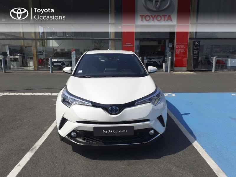 Photo 29 de l'offre de TOYOTA C-HR 122h Dynamic 2WD E-CVT à 20290€ chez Rizzon Auto - Toyota St Brieuc