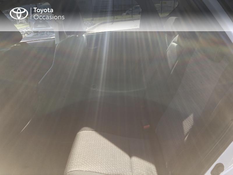 Photo 12 de l'offre de TOYOTA Auris HSD 136h Collection RC18 à 15890€ chez Rizzon Auto - Toyota St Brieuc