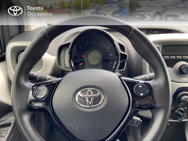 Photo 13 de l'offre de TOYOTA Aygo 1.0 VVT-i 72ch x-play 5p à 8990€ chez Rizzon Auto - Toyota St Brieuc
