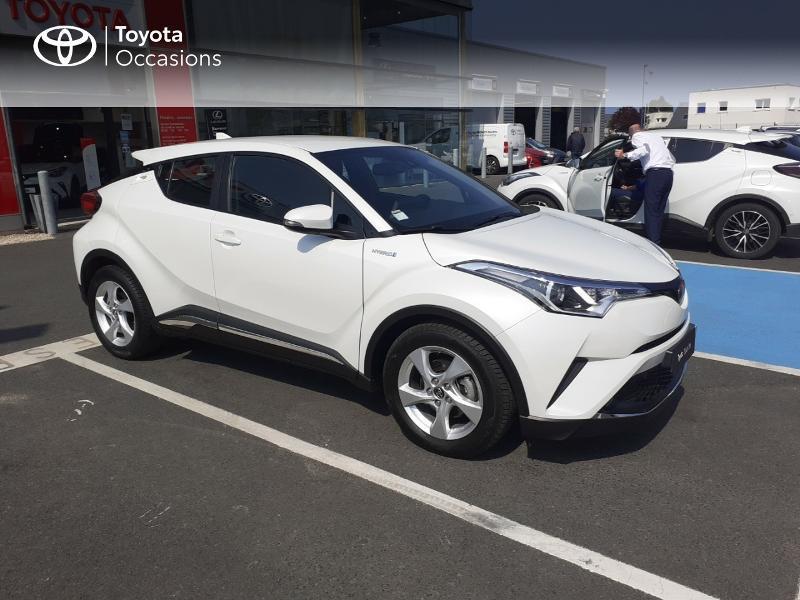 Photo 19 de l'offre de TOYOTA C-HR 122h Dynamic 2WD E-CVT à 20290€ chez Rizzon Auto - Toyota St Brieuc