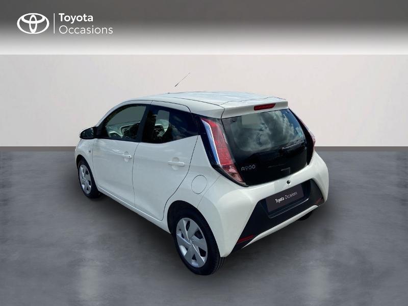 Photo 2 de l'offre de TOYOTA Aygo 1.0 VVT-i 72ch x-play 5p à 8990€ chez Rizzon Auto - Toyota St Brieuc