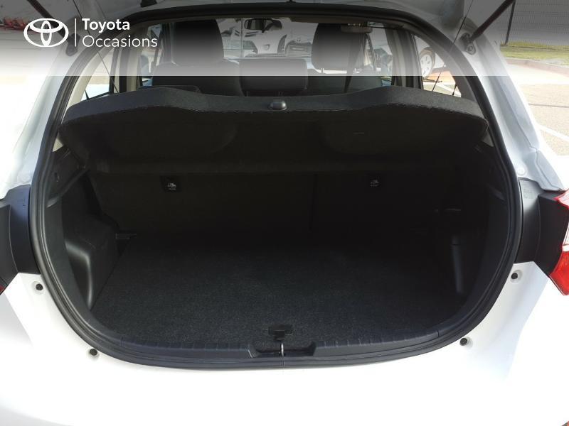 Photo 10 de l'offre de TOYOTA Yaris 100h France 5p MY19 à 12490€ chez Rizzon Auto - Toyota St Brieuc