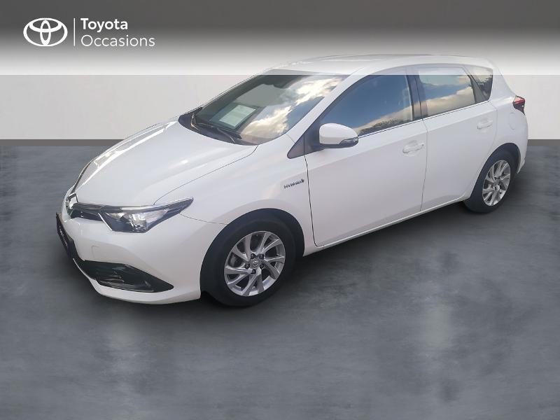 Photo 1 de l'offre de TOYOTA Auris HSD 136h Dynamic Business à 17490€ chez Rizzon Auto - Toyota St Brieuc
