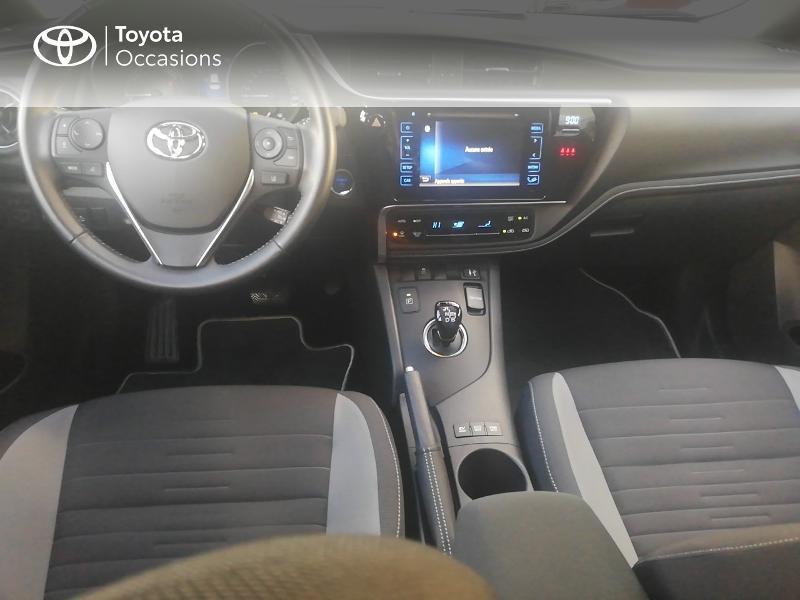 Photo 5 de l'offre de TOYOTA Auris HSD 136h Dynamic Business à 17490€ chez Rizzon Auto - Toyota St Brieuc