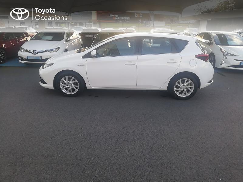 Photo 18 de l'offre de TOYOTA Auris HSD 136h Dynamic Business à 17490€ chez Rizzon Auto - Toyota St Brieuc