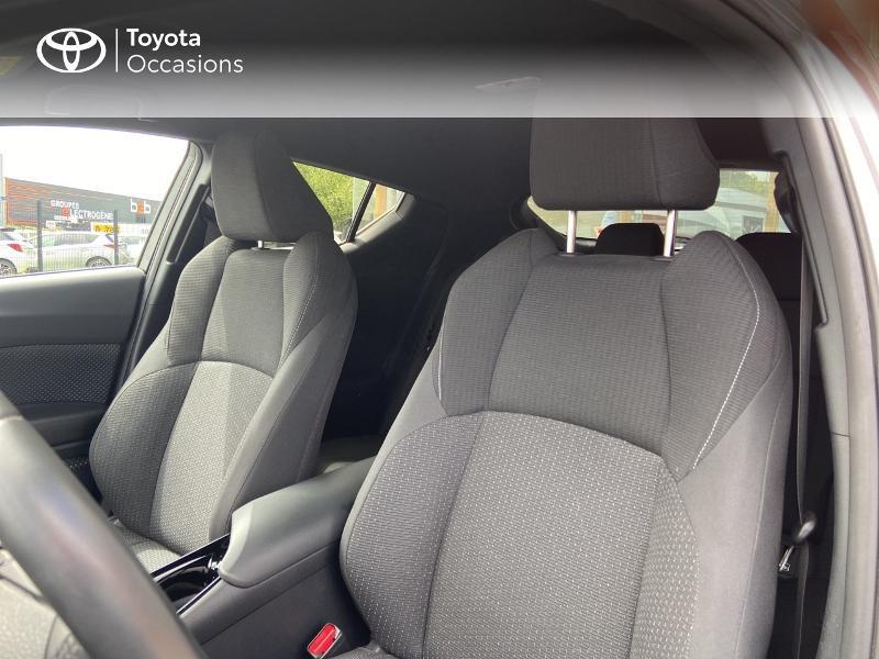 Photo 11 de l'offre de TOYOTA C-HR 122h Edition 2WD E-CVT RC18 à 20490€ chez Rizzon Auto - Toyota St Brieuc