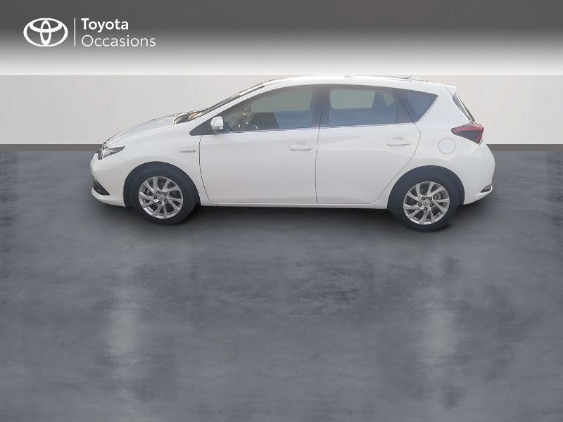 Photo 3 de l'offre de TOYOTA Auris HSD 136h Dynamic Business à 17490€ chez Rizzon Auto - Toyota St Brieuc