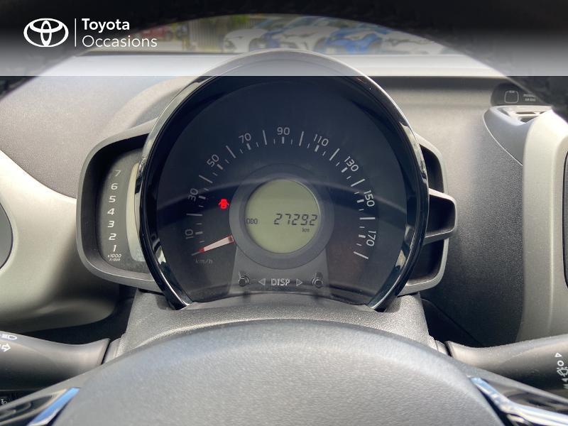 Photo 14 de l'offre de TOYOTA Aygo 1.0 VVT-i 72ch x-play 5p à 8990€ chez Rizzon Auto - Toyota St Brieuc