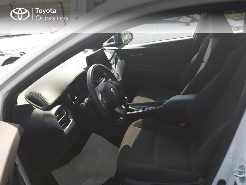 Photo 11 de l'offre de TOYOTA C-HR 122h Dynamic 2WD E-CVT à 20290€ chez Rizzon Auto - Toyota St Brieuc