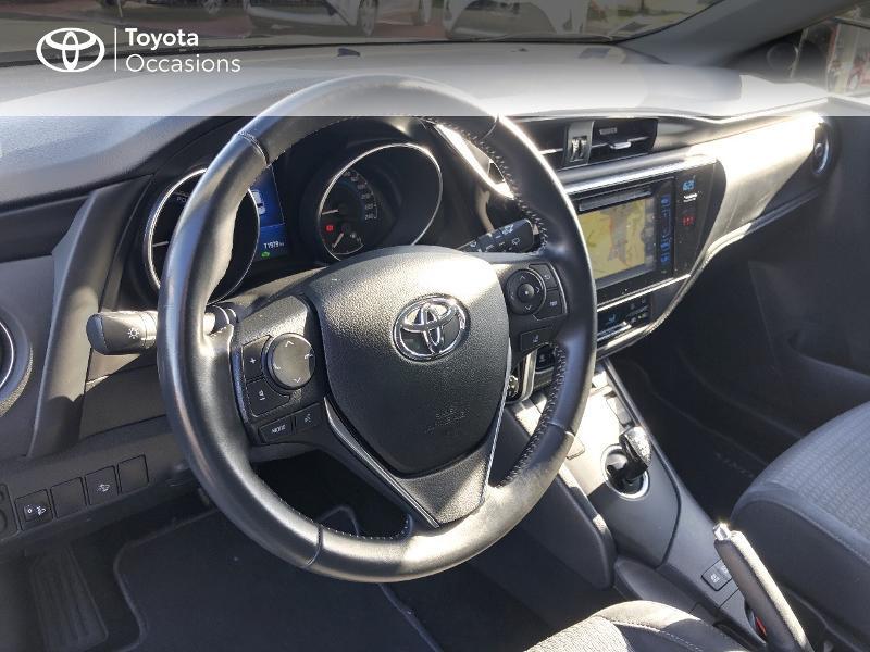 Photo 9 de l'offre de TOYOTA Auris HSD 136h Collection RC18 à 15890€ chez Rizzon Auto - Toyota St Brieuc