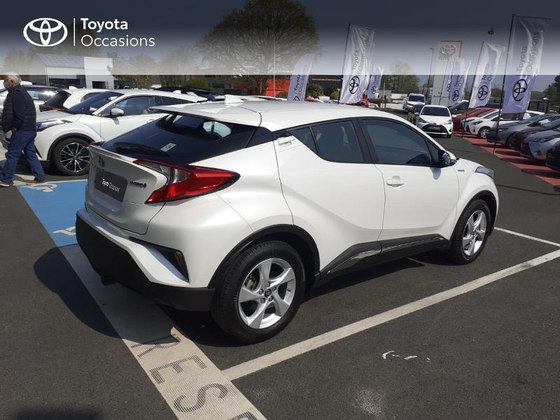 Photo 18 de l'offre de TOYOTA C-HR 122h Dynamic 2WD E-CVT à 20290€ chez Rizzon Auto - Toyota St Brieuc