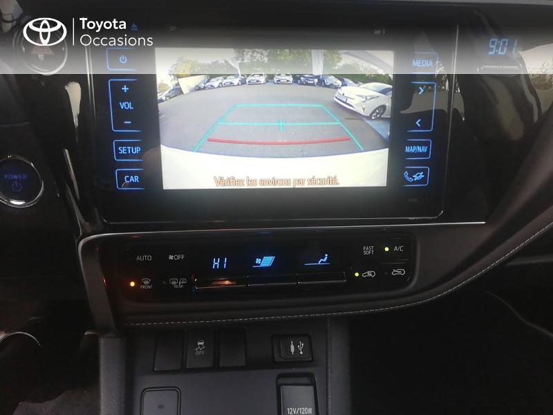 Photo 11 de l'offre de TOYOTA Auris HSD 136h Dynamic Business à 17490€ chez Rizzon Auto - Toyota St Brieuc