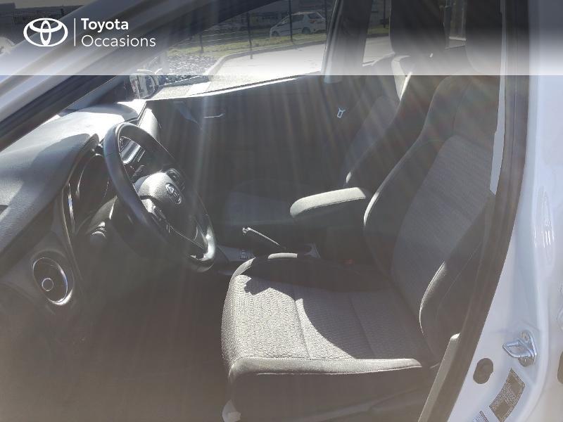 Photo 11 de l'offre de TOYOTA Auris HSD 136h Collection RC18 à 15890€ chez Rizzon Auto - Toyota St Brieuc