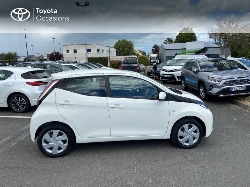 Photo 17 de l'offre de TOYOTA Aygo 1.0 VVT-i 72ch x-play 5p à 8990€ chez Rizzon Auto - Toyota St Brieuc