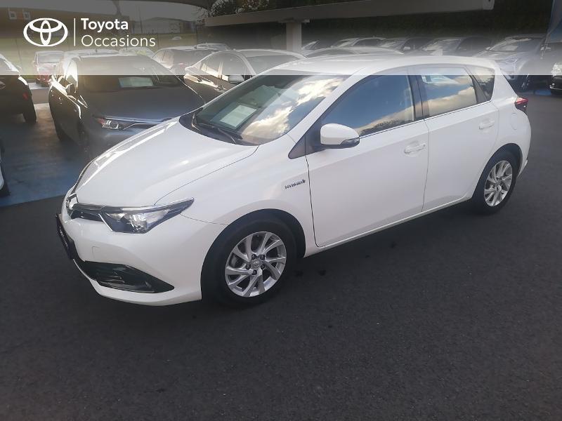 Photo 16 de l'offre de TOYOTA Auris HSD 136h Dynamic Business à 17490€ chez Rizzon Auto - Toyota St Brieuc