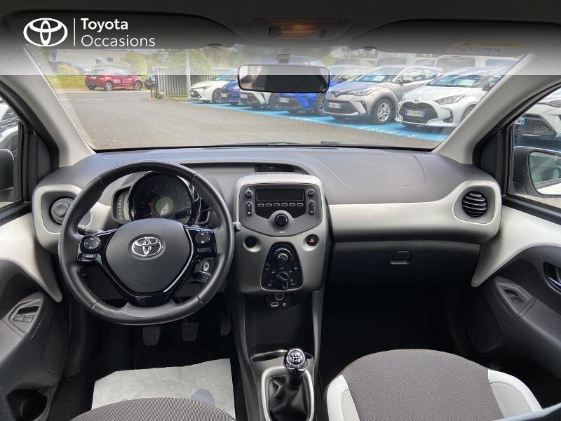 Photo 8 de l'offre de TOYOTA Aygo 1.0 VVT-i 72ch x-play 5p à 8990€ chez Rizzon Auto - Toyota St Brieuc