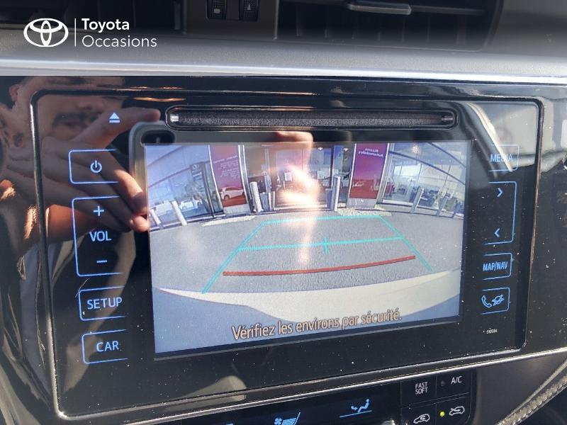 Photo 17 de l'offre de TOYOTA Auris HSD 136h Collection RC18 à 15890€ chez Rizzon Auto - Toyota St Brieuc