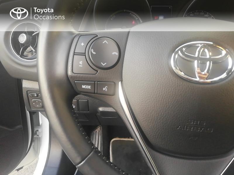 Photo 10 de l'offre de TOYOTA Auris HSD 136h Dynamic Business à 17490€ chez Rizzon Auto - Toyota St Brieuc