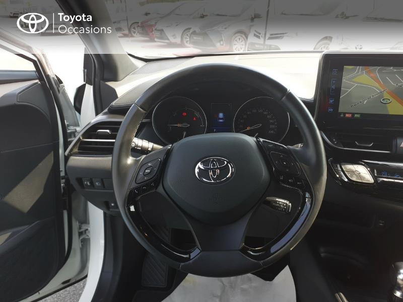 Photo 13 de l'offre de TOYOTA C-HR 122h Dynamic 2WD E-CVT à 20290€ chez Rizzon Auto - Toyota St Brieuc