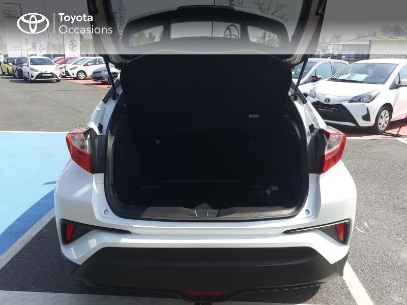 Photo 10 de l'offre de TOYOTA C-HR 122h Dynamic 2WD E-CVT à 20290€ chez Rizzon Auto - Toyota St Brieuc