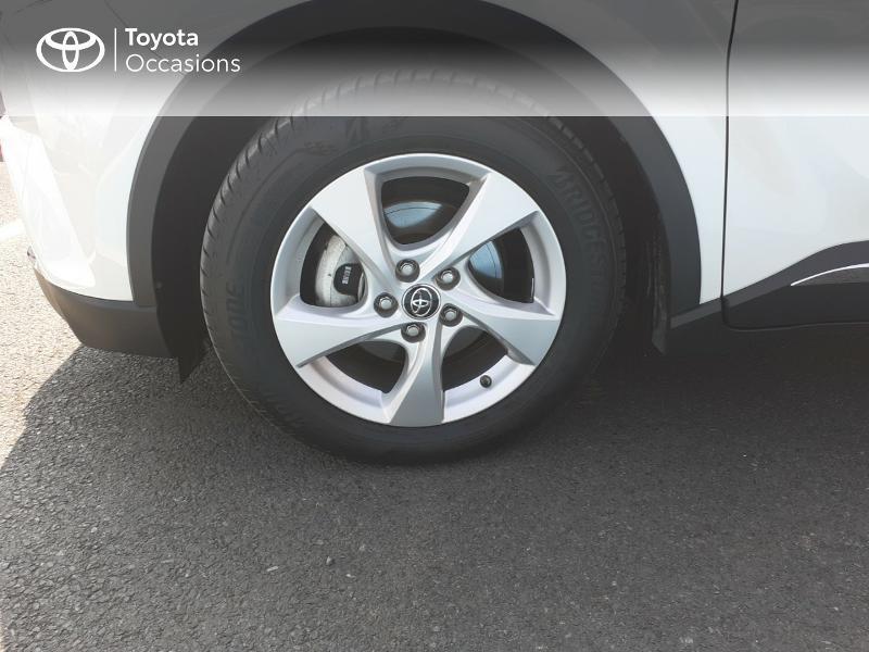 Photo 16 de l'offre de TOYOTA C-HR 122h Dynamic 2WD E-CVT à 20290€ chez Rizzon Auto - Toyota St Brieuc