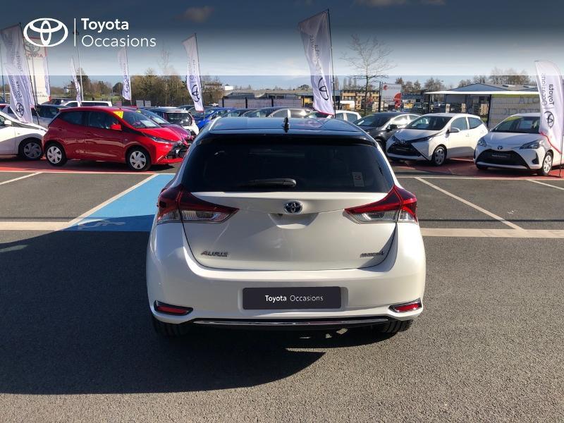 Photo 22 de l'offre de TOYOTA Auris HSD 136h Collection RC18 à 15890€ chez Rizzon Auto - Toyota St Brieuc