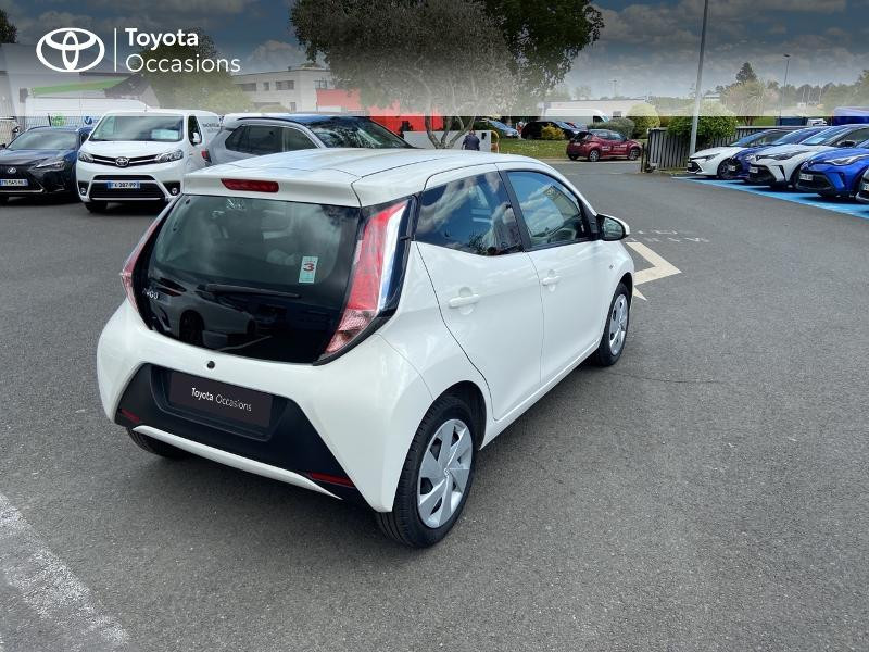 Photo 18 de l'offre de TOYOTA Aygo 1.0 VVT-i 72ch x-play 5p à 8990€ chez Rizzon Auto - Toyota St Brieuc