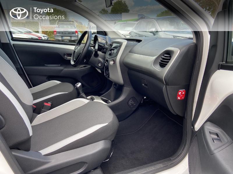Photo 6 de l'offre de TOYOTA Aygo 1.0 VVT-i 72ch x-play 5p à 8990€ chez Rizzon Auto - Toyota St Brieuc