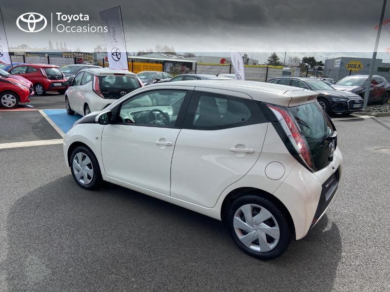 Photo 25 de l'offre de TOYOTA Aygo 1.0 VVT-i 69ch x-play 5p à 8990€ chez Rizzon Auto - Toyota St Brieuc