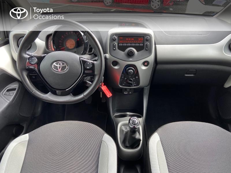 Photo 8 de l'offre de TOYOTA Aygo 1.0 VVT-i 69ch x-play 5p à 8990€ chez Rizzon Auto - Toyota St Brieuc
