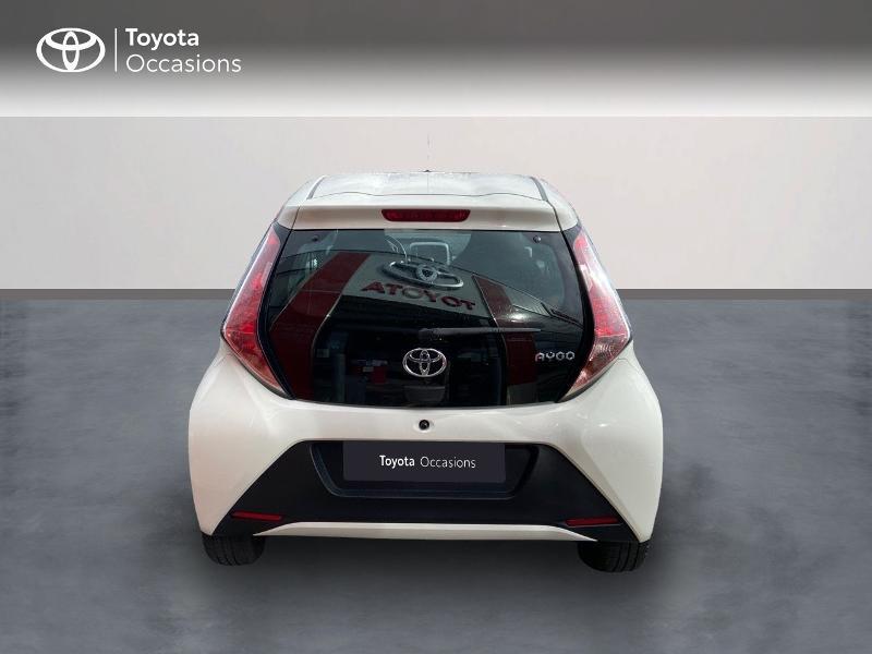 Photo 4 de l'offre de TOYOTA Aygo 1.0 VVT-i 69ch x-play 5p à 8990€ chez Rizzon Auto - Toyota St Brieuc