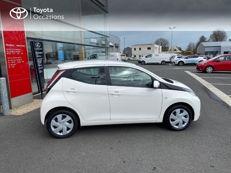 Photo 17 de l'offre de TOYOTA Aygo 1.0 VVT-i 69ch x-play 5p à 8990€ chez Rizzon Auto - Toyota St Brieuc