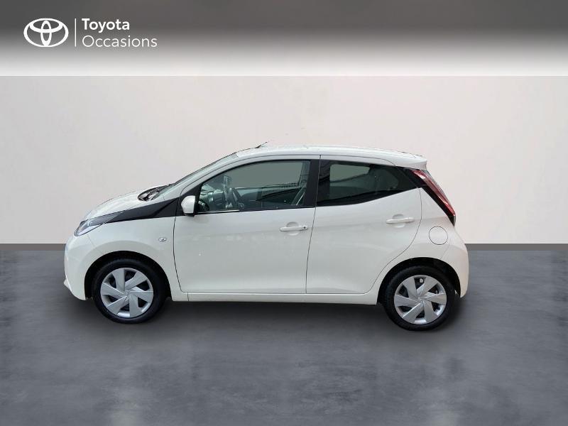 Photo 3 de l'offre de TOYOTA Aygo 1.0 VVT-i 69ch x-play 5p à 8990€ chez Rizzon Auto - Toyota St Brieuc