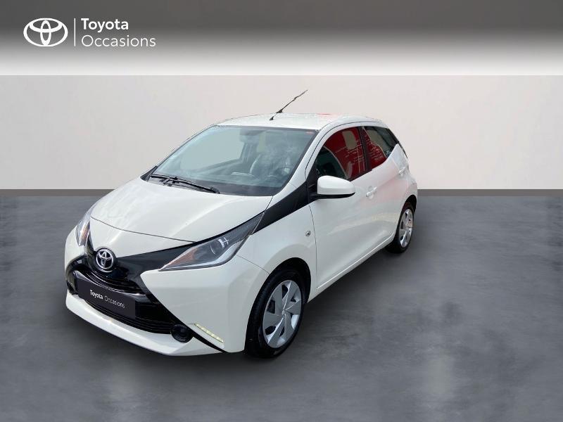 Photo 1 de l'offre de TOYOTA Aygo 1.0 VVT-i 69ch x-play 5p à 8990€ chez Rizzon Auto - Toyota St Brieuc