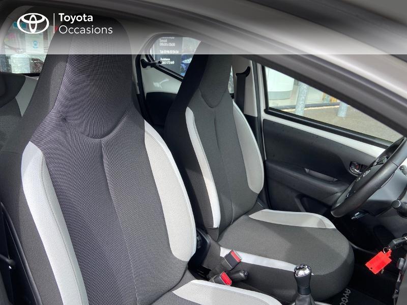 Photo 6 de l'offre de TOYOTA Aygo 1.0 VVT-i 69ch x-play 5p à 8990€ chez Rizzon Auto - Toyota St Brieuc