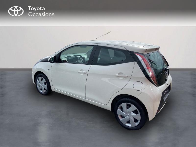 Photo 2 de l'offre de TOYOTA Aygo 1.0 VVT-i 69ch x-play 5p à 8990€ chez Rizzon Auto - Toyota St Brieuc