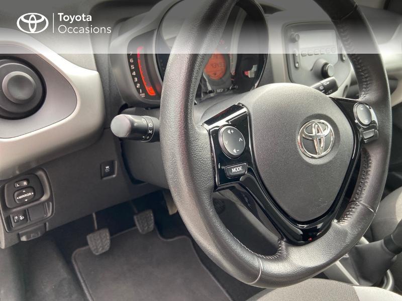 Photo 20 de l'offre de TOYOTA Aygo 1.0 VVT-i 69ch x-play 5p à 8990€ chez Rizzon Auto - Toyota St Brieuc