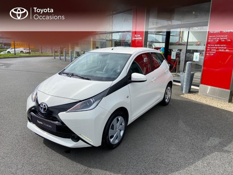 Photo 24 de l'offre de TOYOTA Aygo 1.0 VVT-i 69ch x-play 5p à 8990€ chez Rizzon Auto - Toyota St Brieuc