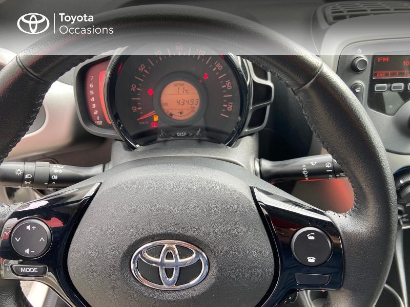 Photo 13 de l'offre de TOYOTA Aygo 1.0 VVT-i 69ch x-play 5p à 8990€ chez Rizzon Auto - Toyota St Brieuc