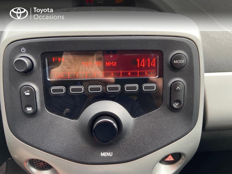 Photo 15 de l'offre de TOYOTA Aygo 1.0 VVT-i 69ch x-play 5p à 8990€ chez Rizzon Auto - Toyota St Brieuc