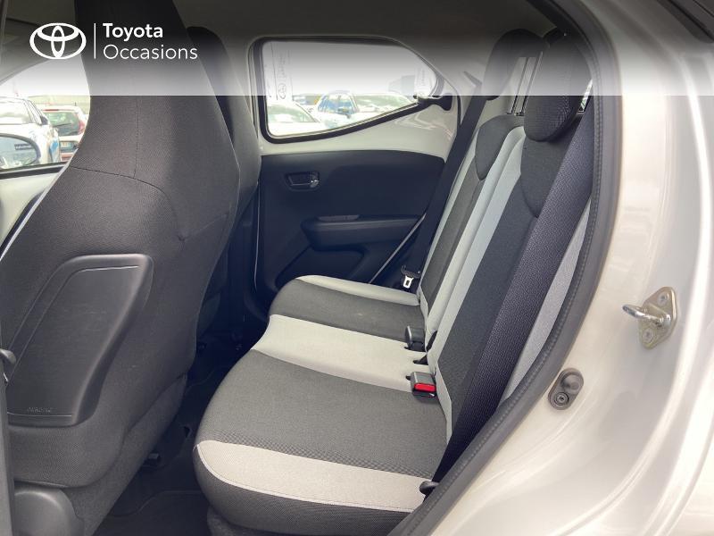 Photo 12 de l'offre de TOYOTA Aygo 1.0 VVT-i 72ch x-play 5p à 8990€ chez Rizzon Auto - Toyota St Brieuc