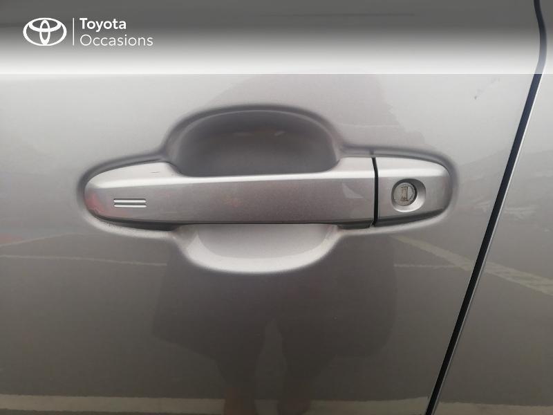 Photo 24 de l'offre de TOYOTA C-HR 122h Edition 2WD E-CVT RC18 à 21890€ chez Rizzon Auto - Toyota St Brieuc